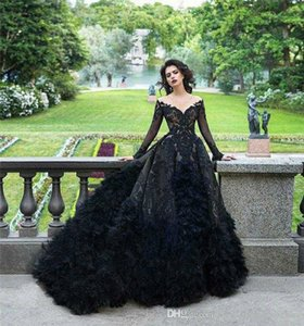 Full Black Gothic Wedding Dresses 2022 Lace Floral Feahter Long Sleeve Puffy Skirt Vintage Princess Bridal Dress Plus Size