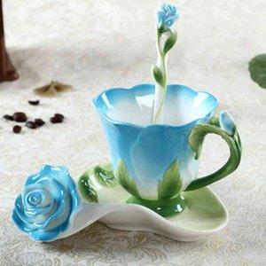 Emaye Seramik Kahve Çay Kupası Suni Kaşık 3D Gül Çiçek Yüksek dereceli Porselen Kupası Yaratıcı Renkli Hediye Tasarım Çay Fincanı Kiti VTKY2229