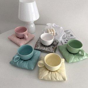 Mugs Nordic Ceramic Mug Creative Afternoon Tea Cup Macaron Pillow Bag Coffee Ice Cream Milk Cups With Handle Desktop Decor