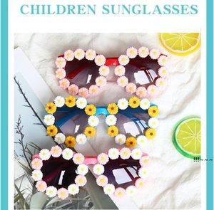 Children Sunglasses Small Daisy Eyeglasses Girls Street Shoot Concave Modeling Sunglass Arrow Kids Beach Eyewear Glasses EWC7035