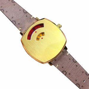 wristwatch 2021 Womens digital fashion Quartz Watch with Gold-Tone Case Ladies Watches luxury brand brown cartoon Leather strap women pin buckle wristwatches