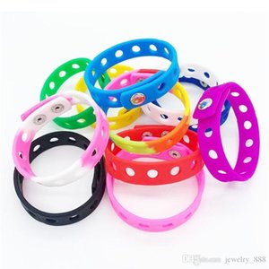 Soft Silicone Bracelet Wristband 18 21cm Fit Shoe Croc Buckle Shoe Charm Accessory Kid Party Gift Fashion Jewelry 17colors 2021 342 Q2