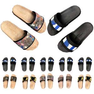 Scarpe da uomo Slipper Sandali Luxurys Sandali Donne Donne Fashion Dials Slides Flip Flops Paris Summer Beach Sexy Pantofole in pelle ricamata Giallo con scatola 2021