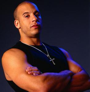 Sıcak Çapraz Kolye Kolye Erkekler için Hızlı ve Öfkeli Dominic Toretto Moda Rhinstone erkek Takı Üst Kalite Çapraz Kolye