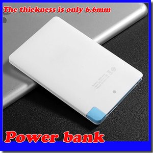 Super léger petit 2500mah ultra mince banque de puissance de la banque de crédit construit dans le câble USB de secours d'urgence super léger petit livraison gratuite