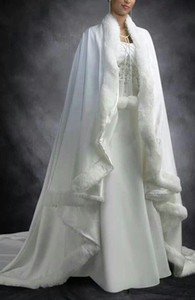 Nueva barato nupcial de Cabo blanco de marfil de la boda de Capas de piel falsa para el invierno Chrismas Wraps novia de la boda de novia Capa tribunal tren Capes