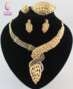 Nueva Llegada Conjunto de Joyas de Vestuario Africano 18 K Chapado En Oro de Cristal Mujeres de La Boda Accesorios Nupciales nigeriano Collar de Joyas Conjunto de Joyas Cajas