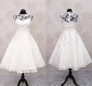 Country White New Arrival Short Wedding Dresses Sheer Bateau Neckline Sleeveless Lace Wedding Gowns Covered Button Tea Length