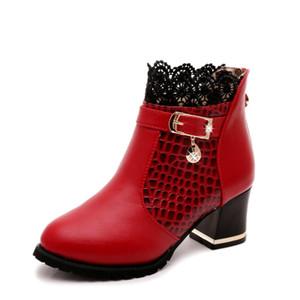 Botas para mujer otoño invierno 2017 moda de encaje ahueca hacia fuera los zapatos de las señoras mujer de cuero sexy botines para mujer Botas mujer