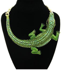 Pendentifs énorme crocodile mode Chunky Déclaration personnalité collier Exagéré strass Collier ras du cou pour femmes Bijoux en gros