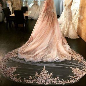 Bestseller Luxus Brautschleier Vier Meter lange Schleier Strass Spitze Applique One Layer weichen Tüll Kathedrale Länge Günstige Bridal Veil