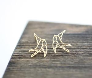 1 par-s012 ouro prata recorte adorável selvagem origami andorinha brinco bonito gracioso planar ágil flying birds stud earrings