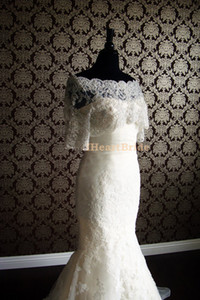Weiß oder Elfenbein Brautverpackungen Jacken Halbarm Spitze Brautjacke mit Kristallperlen Bolero Jacke Brautkleid
