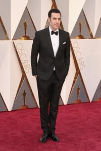 Oscar Sacha Baron Cohen Tuxedos Groomsmen Châle Lapel Meilleur Costume Homme / Marié / Mariage / Bal / Costumes Dîner (Veste + Pantalon + Cravate)