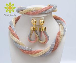 Livraison Gratuite Femmes De Mariage Mix Trois Couleurs Collier Boucles D'oreilles Bracelet Or Accessoires Ensembles De Bijoux