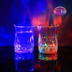 24pcs / lot LED 파티 마시는 안경 Drinkware 점멸 작은 LED 컵 깜박이 콜라 컵 바 용품