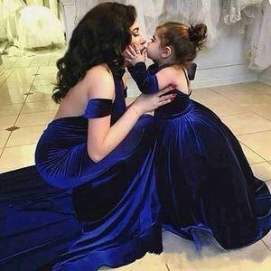 Sevimli Kraliyet Mavi Çiçek Kız Elbise Halter Bebek Kız Pageant Elbiseler Prenses Balo Çocuklar Gelinlikler