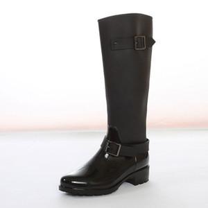 Marca Mujeres Rainboots Hasta la rodilla Altura Alta Diseñador de moda Botas de lluvia Botas impermeables Goma de lluvia botas de agua zapatos de lluvia venta