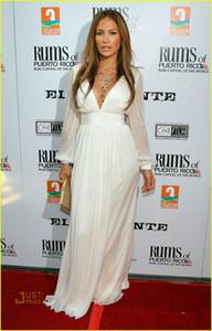 Сшитое Дженнифер Лопес 2021 белый с длинным рукавом V шеи платья выпускного вечера Оскаров знаменитости платья Red Carpet женщин Вечерние платья