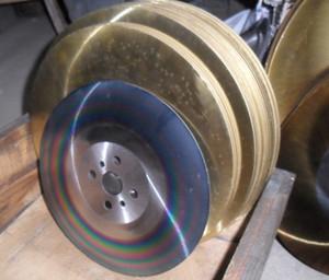 Apol 13 дюймов быстрорежущей стали пильный диск 350 * 2,0 * 32мм HSS-М42 дисковой пилы для резки нержавеющей стали инструмента оптовой радуги