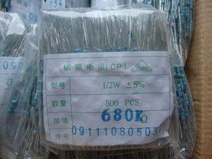 Il nuovo caricabatterie tram resistori a film di carbonio 0,5 W 5% 680 K Euro