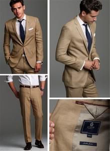 El novio guapo se adapta a los trajes de boda beige para los hombres de dos piezas de los hombres que se adaptan a la chaqueta de trajes de boda + pantalones