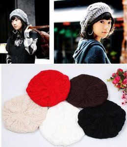 الجملة-30 Pcs + الوافدين الجدد السيدة الشتاء الدافئة Knocked Crochet Slouch Baggy Beret Beanie Hat Cap