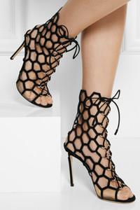 Tasarımcı Marka Kadınlar Siyah Süet Nubuk Deri kesimler Lace up Kısa Gladyatör Çizmeler Sandalet yüksek topuklu Strappy Mesh Sandalet