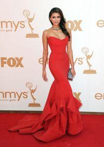 Emmy Awards vestiti dalla celebrità con increspato Sweetheart cerniera posteriore Mermaid sweep treno Satin Rosso Nina Dobrev partito di sera di promenade