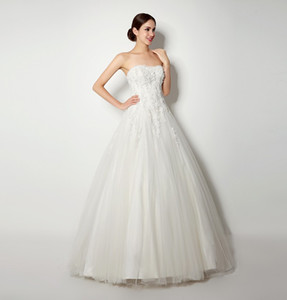 vintage A line Lace Wedding Dresses A Line Floor Length Strapless back lace up Applique Lace made in china Elegant Bridal Gowns