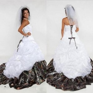 2018 Camo Abito da sposa Sweetheart Lace Up Senza spalline Senza maniche Appliques A Line Satin Swep Train Vestidos De Novia Princess Custom Made