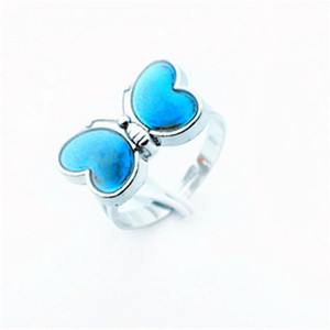 Stimmungs-Ringe geben Verschiffen Großhandels100pcs Stimmungsfarbe Madame Butterfly-Ringe frei, die reizend Modeschmuck Ringe kreativer Ring-Liebhaber-Liebes-Geschenk bezaubern