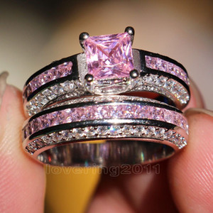001 Victoria Wieck Princesa corte Rosa safira Simulado diamante 10KT White Gold Filled engagement Wedding Band Anel Set Sz 5-11 Presente
