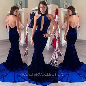 Дизайнер Chaming Royal Blue платья знаменитостей Вечерние платья Бархатные Интернет Дешевые Русалка Sexy Backless Red Carpet платья Холтер шеи Кихол