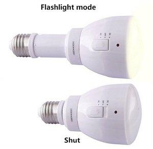 New Multifuncional levou poupança de lâmpadas de led lâmpada e27 3W Controle remoto regulável e recarregável de emergência Luz / energia