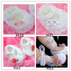 Crochet baby girl Handmade dress shoes costly lace pearl diamand Handmade Crochet Baby Shoes
