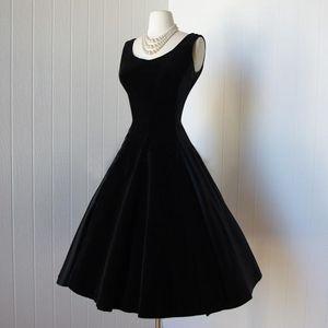 Vintage 1950 'Vestidos de fiesta cortos de terciopelo negro hasta la rodilla Vestido de cóctel con lazo 2015 Nuevos vestidos de graduación de regreso al hogar