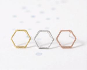 La mode et la personnalité des femmes sont le meilleur cadeau pour les alliages de zinc plaqués or rose argenté plaqué or rose boucles d'oreilles hexagonales en gros