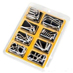 Montessori Materiais 8 pçs / set Metal Wire Puzzle IQ Mente Cérebro Teaser Puzzles Jogo Para Adultos E Crianças Eeducational Toy b979