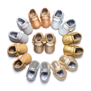 Venta al por mayor caliente envío libre de las borlas 19 colores de cuero de la PU zapatos de bebé mocasín zapatos recién nacidos bebés suaves zapatos de cuna zapatillas de deporte primer caminante