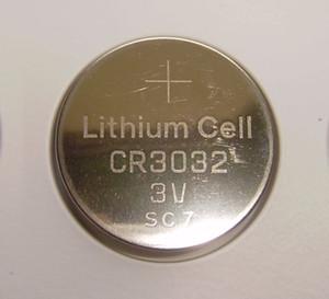 200pcs / lot piles bouton 530mAh 530mAh pile au lithium CR3032 3v lithium