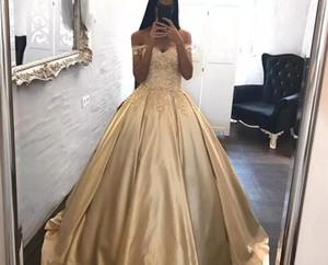2018 Sweetheart Ball Gown Prom Dresses spalla nuda appliqued fiori fatti a mano pavimento lunghezza sweep treno abiti da festa