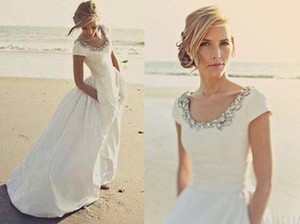 2019 New Beach Wedding Dresses with Pockets Short Sleeves Scoop Crystal White Taffeta Cheap Romantic Boho Wedding Bridal Gowns Customized