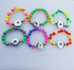 12pcs sacco di colori della miscela delle ragazze di modo 15cm Lunghezza a mano Ciondolo acrilico Noosa Pezzi 18 millimetri Snap pulsante di monili / braccialetto per bambini