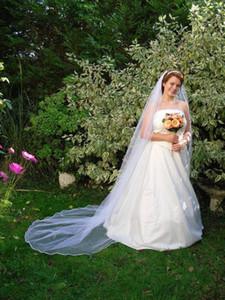 Sıcak Saling Yumuşak Tül Tarak Ile Bir Katman Kenar Fildişi Beyaz Düğün Peçe Katedrali Gelin Veils Üç Metre Uzun