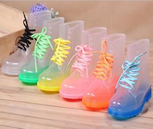 2016 Kristal Jöle Ayakkabı Düz Martin Rainboots Moda Şeffaf Perspektif Yağmur çizmeleri Su ayakkabı kadın Ayakkabı Şeker Renk Rainshoes