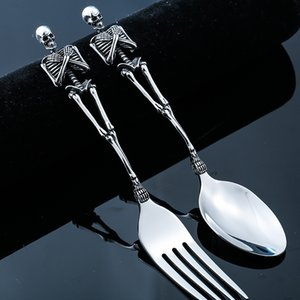 Cuchara de sopa de acero de titanio retro Juego de tenedor de acero inoxidable Vajilla occidental de alta calidad con un cráneo fresco Esqueleto Vintage Halloween Cubiertos