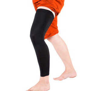 Al por mayor 2017 Nueva rodilla 2 piezas de Baloncesto Ciclismo Hombres Mujeres estiramiento elástico Deportes manga de la pierna del protector de Seguridad Deportiva