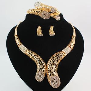 Dubai 18K Gold \ Argento placcato cristallo donne matrimonio partito dichiarazione bracciale collana orecchini anelli set di gioielli di alta qualità