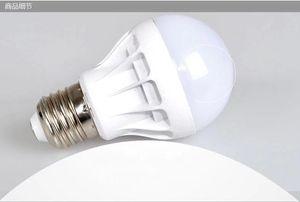 Frete grátis alta qualidade 3W 5W 7W 9W LED 12W lâmpadas Energy-Saving Light E27, B22, E14, Base Globe Light Bulb Atacado baratos Iluminações Lamp 22